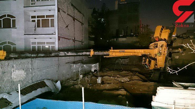 واژگونی جرثقیل در یک پروژه ساختمانی+عکس