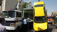 واژگونی تاکسی ابتدای پل کریمخان  + عکس
