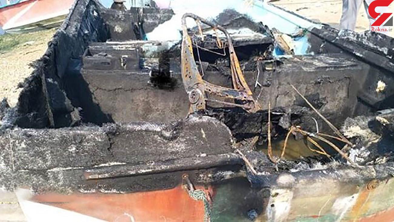 آتش سوزی قایق حامل 20 مهاجر + عکس