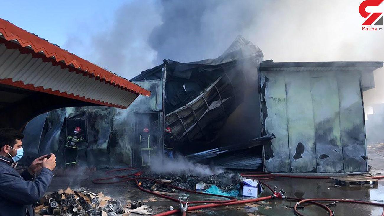 آتش سوزی در انبار کارخانه تولیدی جاده تبریز - آذرشهر / 15 تن به بیمارستان منتقل شدند
