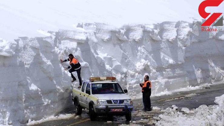 ارتفاع برف در جاده بوکان به ۵ متر رسید +عکس