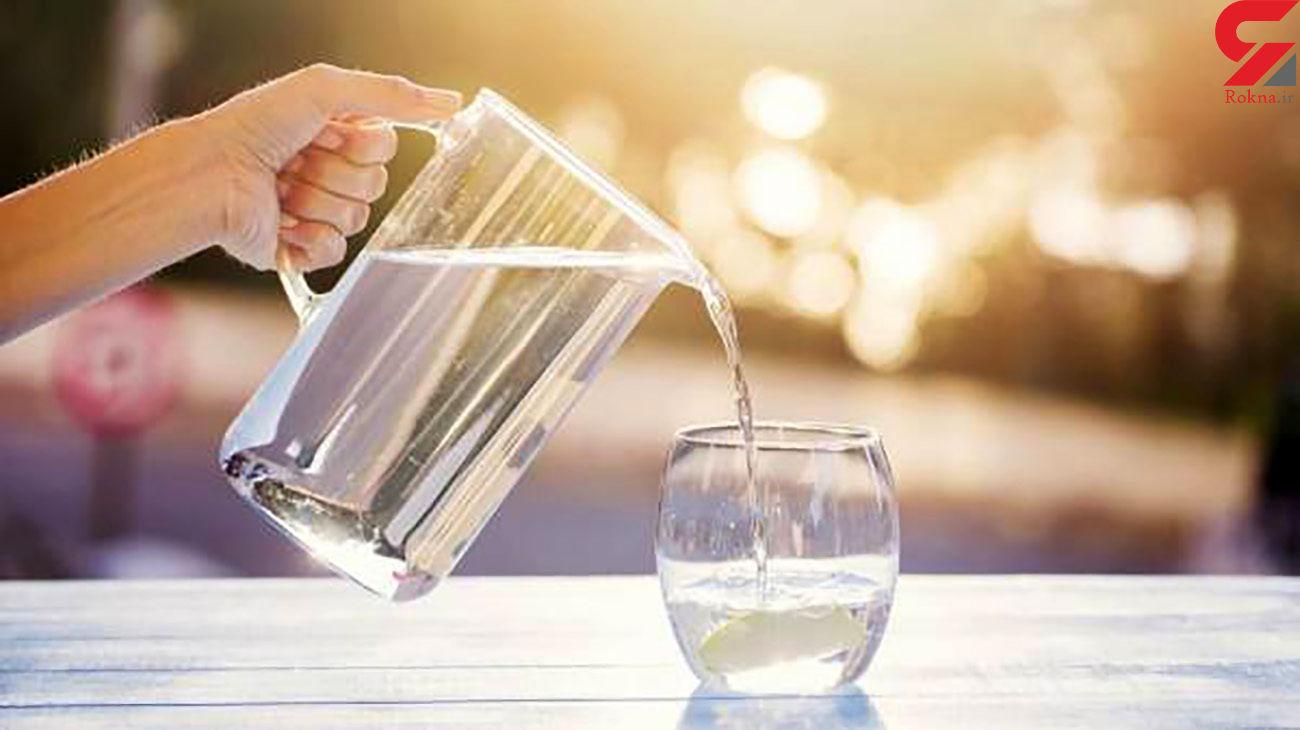 از نوشیدن آب گرم غافل نشوید