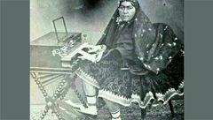 اولین زن ایرانی که نواختن پیانو را آموخت +عکس