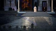 دعا کردن پاپ در باران برای رهایی جهان از شر کرونا+عکس