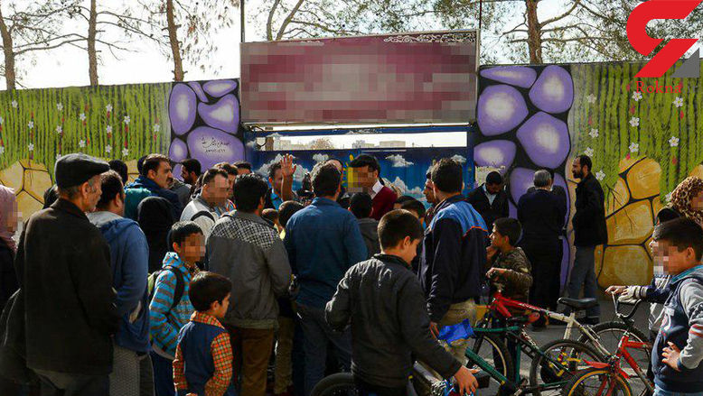 تجمع خانوادههای خشمگین کودکان آزار دیده در دبستان اصفهانی+ عکس