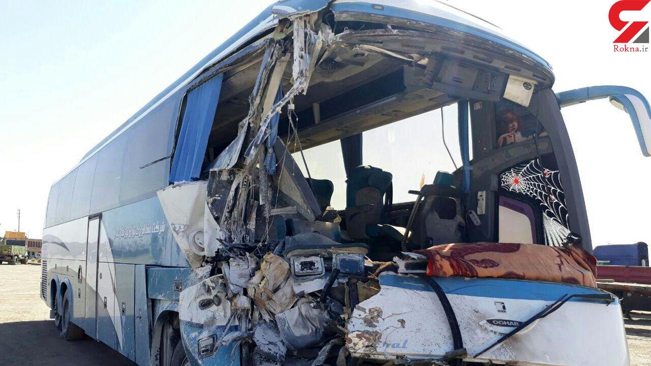 تصادف اتوبوس با تانکر سوخت در راور / 9 تن مصدوم شدند