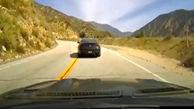 تصادف وحشتناک شاخ به شاخ در سر پیچ جاده باریک + فیلم