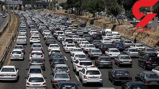 ترافیک در آزادراه کرج-تهران سنگین است/ بارش باران در استانهای سمنان، خراسان شمالی و رضوی
