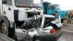برخورد مرگبار پراید با کامیون در محور جم-فیروزآباد/ دو سرنشین پراید جان باختند