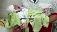 تولد دختر عجول شاهرودی در آمبولانس اورژانس در روزهای کرونایی