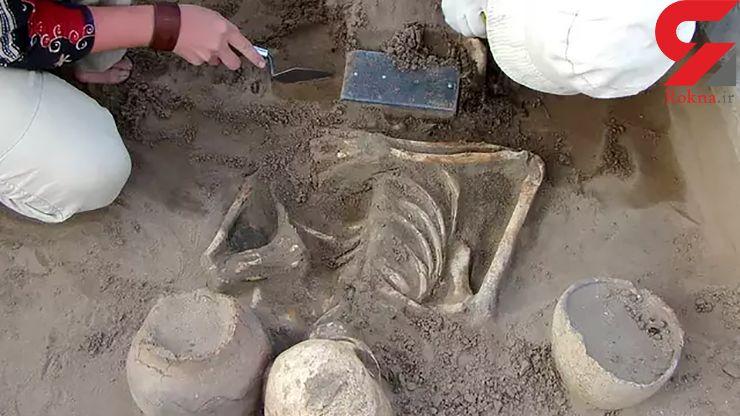 کشف آیفون ۲۱۰۰ ساله در یک قبر قدیمی! + تصاویر