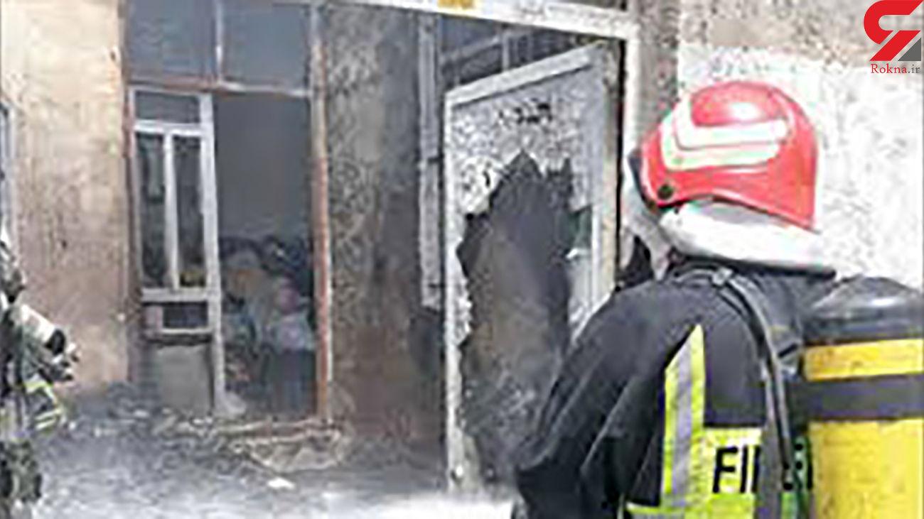 آتش سوزی در شهرک مرتضی گرد تهران / کارگاه تولیدی مبل سوخت