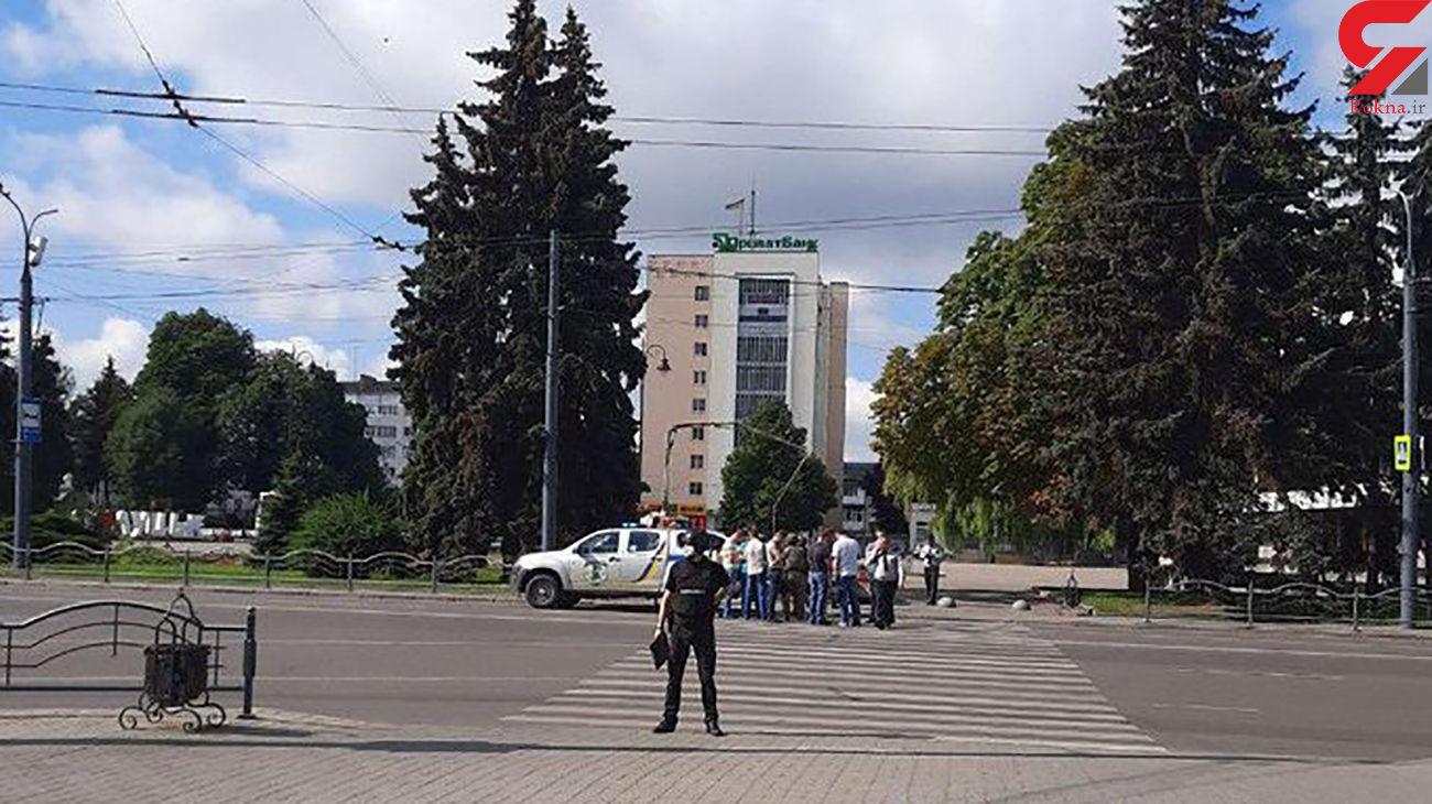 گروگانگیری مسلحانه / 20 مسافر اتوبوس تهدید به مرگ شدند / اوکراین