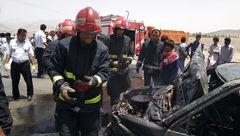 سوختن کامل دو خودرو در زاهدان / یک پسر 14 ساله در میان شعله ها سوخت + عکس