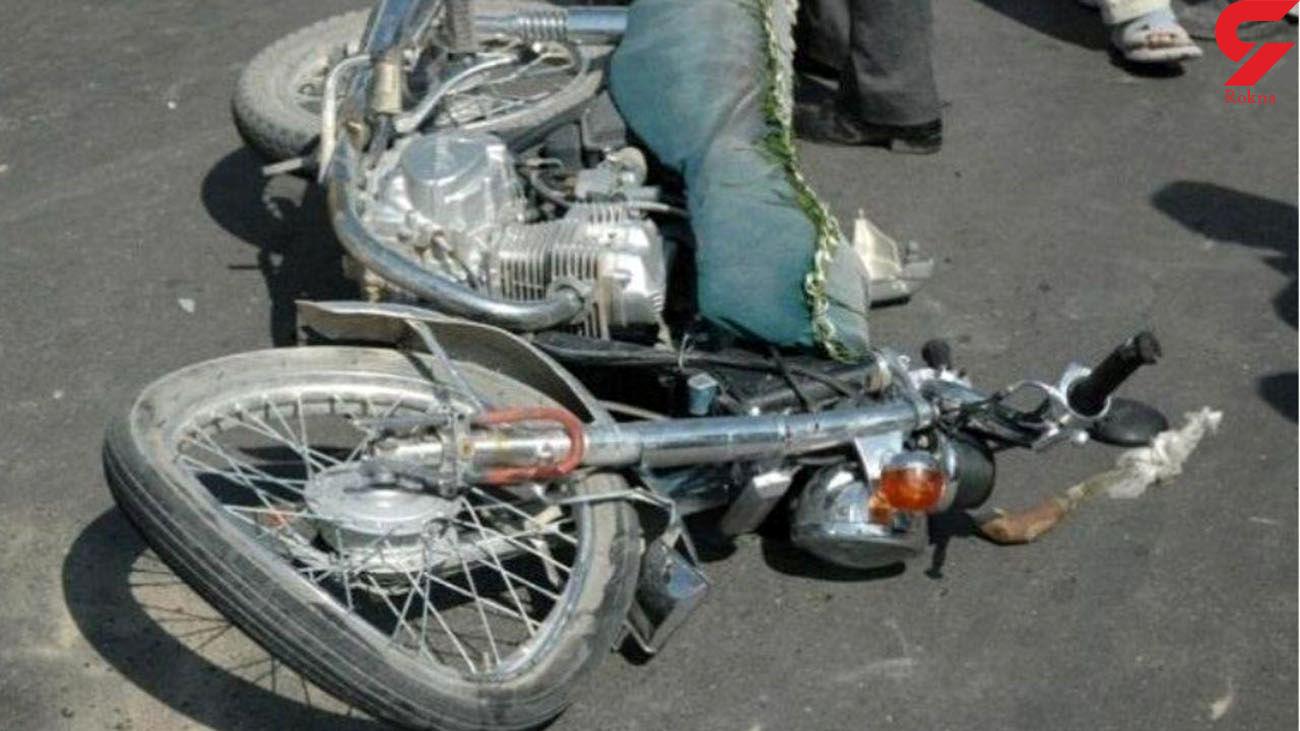 3 کشته در برخورد موتور سیکلت با کامیون / در بافت رخ داد