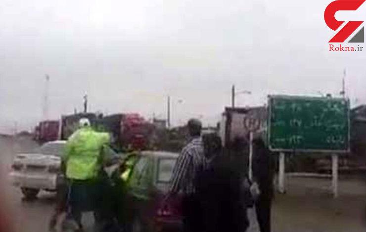 انتشار حادثه  قدیمی کتک زدن یک راننده توسط مامور پلیس راهور