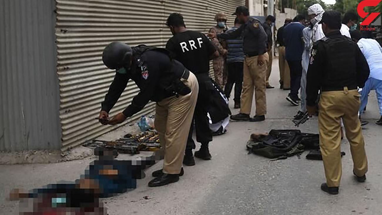 حمله 3 مرد مسلح به ساختمان بورس و اوراق بهادار + عکس /  کراچی