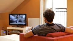 ریسک لخته شدن خون با نشستن پای تلویزیون ارتباط دارد