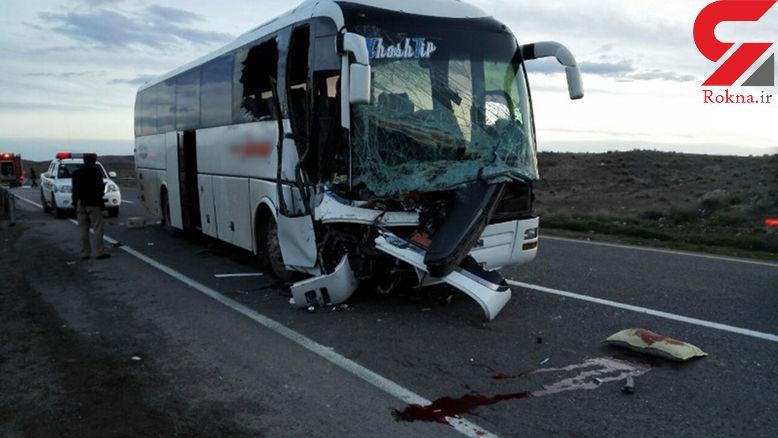 راننده خواب آلود اتوبوس اصفهان از پشت به تریلی کوبید+عکس