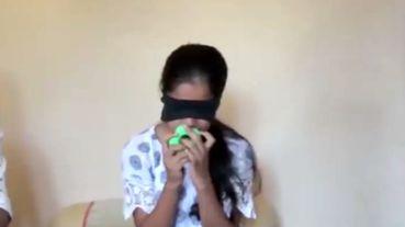 دختری که از طریق بو و لمس کردن رنگ اشیا را تشخیص می دهد + فیلم
