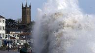 """طوفان کشنده """"اوفلیا"""" به سراغ انگلیس رفت"""