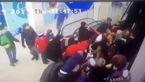 سقوط وحشتناک 44 دانش آموز از پله برقی سینما +فیلم