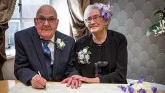 تازه عروس و دامادی که روی هم 170 سال سن دارند +تصاویر