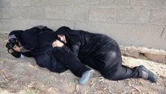 اقدام تحسین برانگیز عکاس زن در میان گلوله و آتش در اهواز +عکس