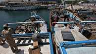 توقیف لنج های حامل کالای قاچاق در بندر گناوه