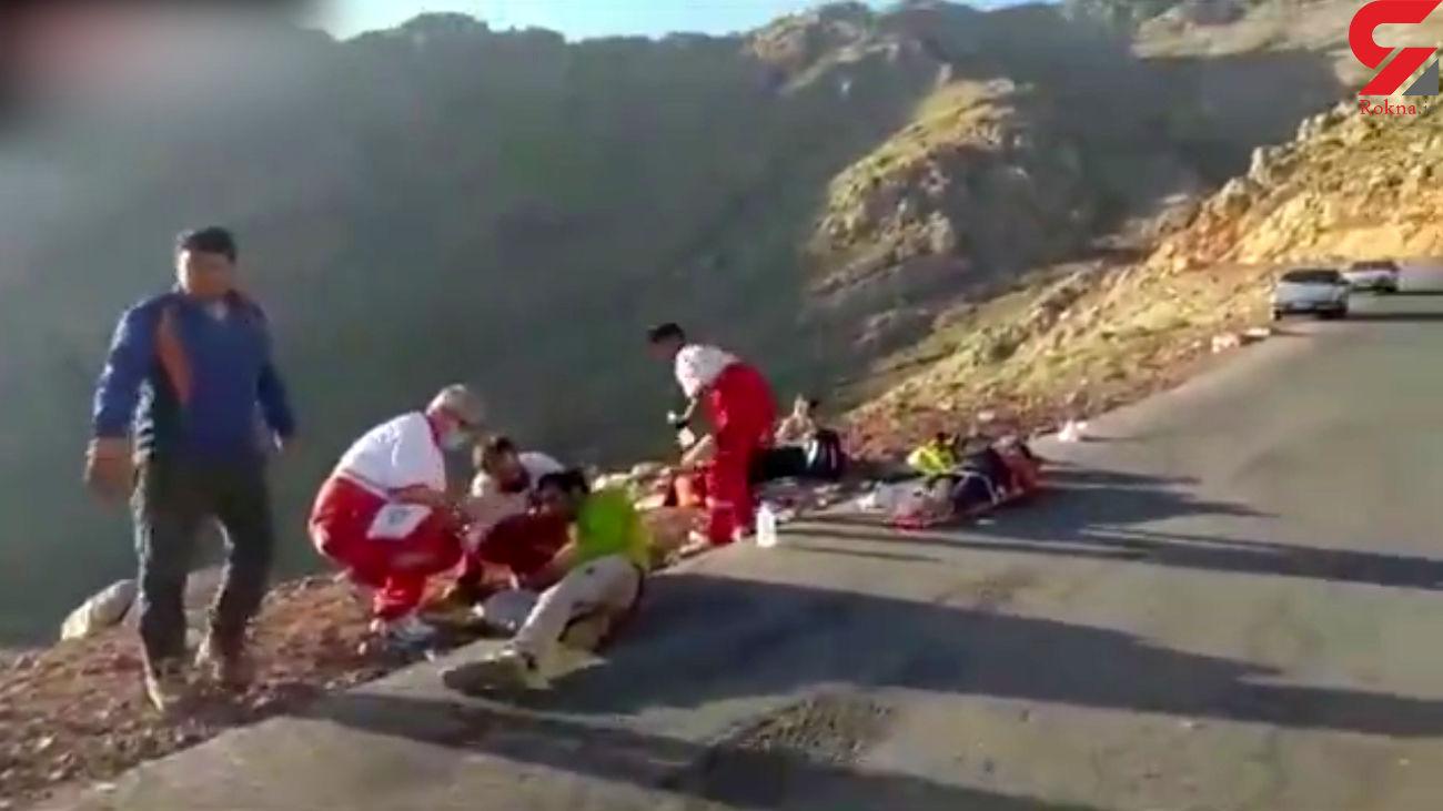 فیلم واژگونی مینیبوس کوهنوردان کرمانشاهی/ مرگ را به چشم دیدند