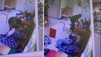 برخورد خشونت آمیز مربی زن جوان مهدکودک با دو کودک نوپا+ فیلم و عکس