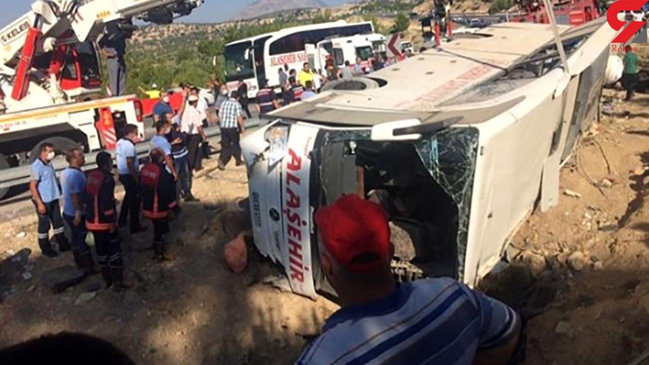 4 کشته و 27 زخمی در واژگونی اتوبوس نیروهای مسلح ترکیه در مرسین