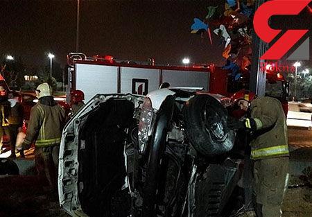 واژگونی 206 در کریمخان یک مصدوم برجای گذاشت