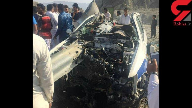 خودروی پلیس راه در نیکشهر نصف شد + عکس