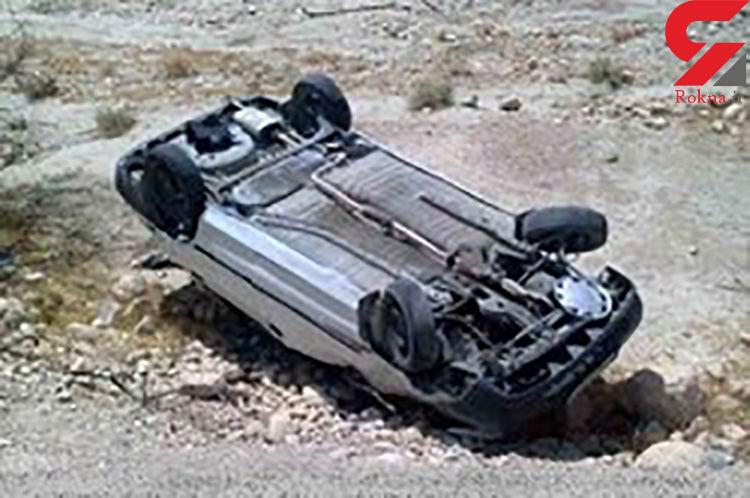 واژگونی پژو ۴۰۵ به قیمت جان راننده تمام شد