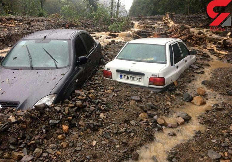 تلاش برای بازگشایی جادههای خسارت دیده در سیل ادامه دارد