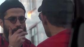 حمله یک مالخر به تیم مستند ساز ایرانی با اسپری فلفل + فیلم