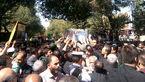 تشییع پیکر شهید خردسال حادثه تروریستی اهواز بر دستان مردم اصفهان+ تصاویر