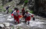 عکس لحظه نجات چوپان گمشده در کوه های کرمان