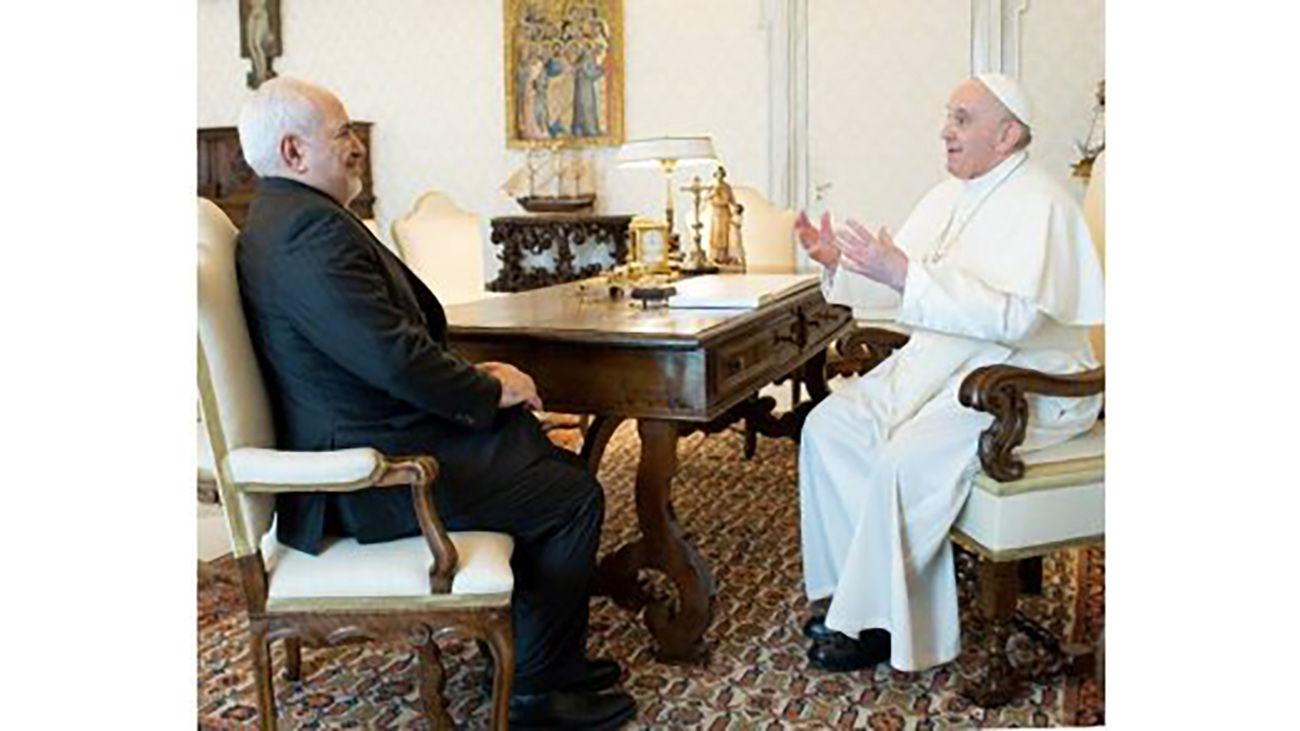 Zarif Hails Pope's Stances on Palestine, Sanctions