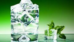 بلایی که نوشیدن آب یخ سرتان می آورد
