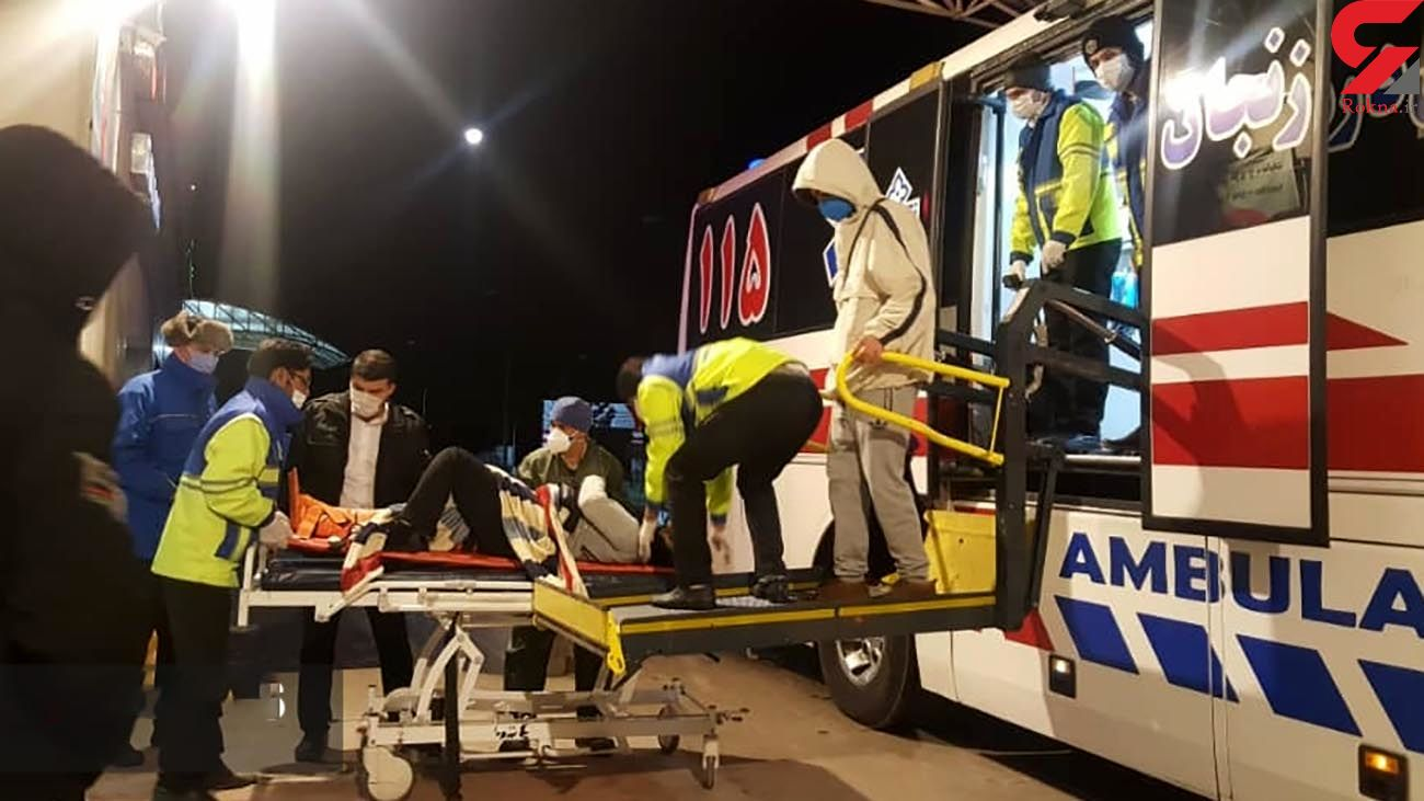 تصادف شاخ به شاخ اتوبوس با تریلی در زنجان / راننده اتوبوس خواب بود + عکس