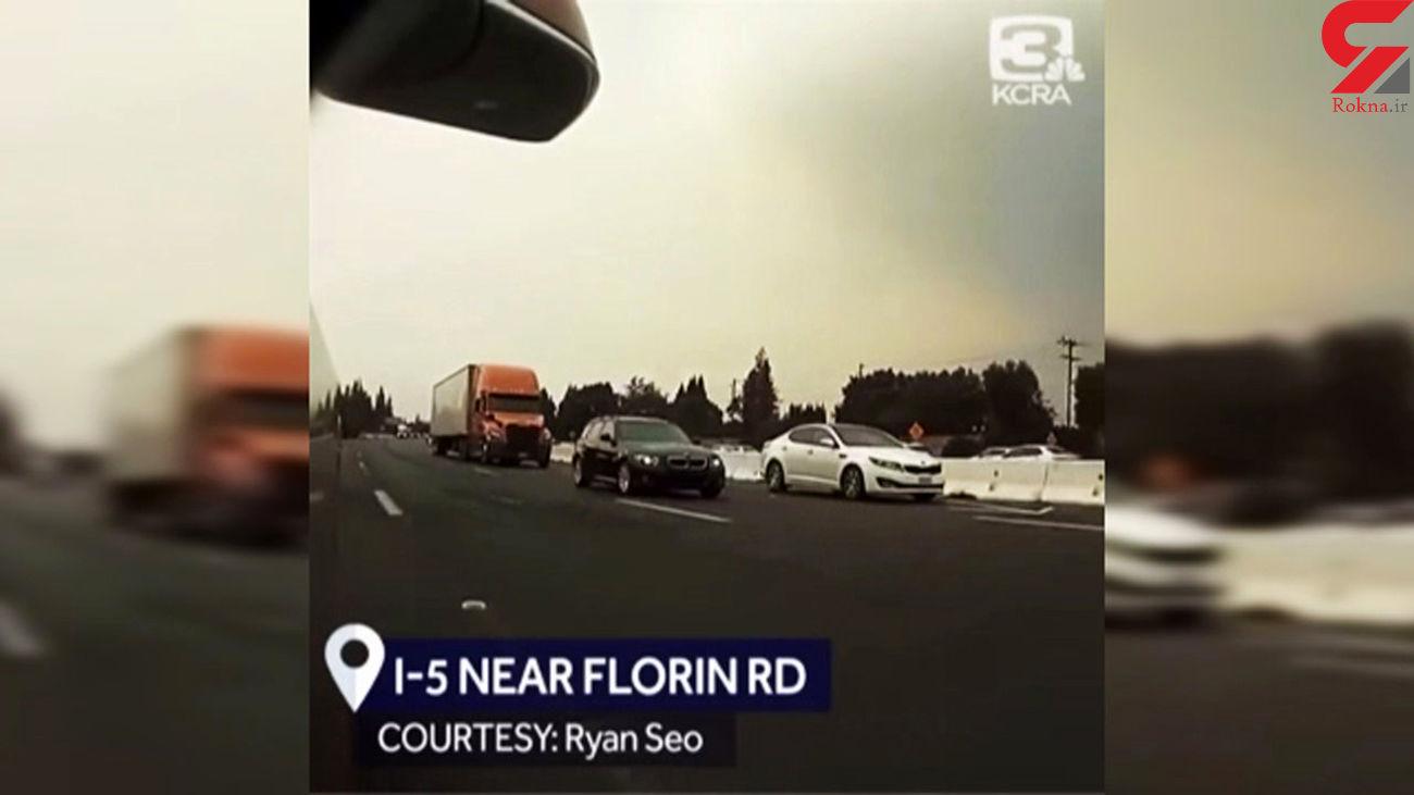 اقدام جنون آمیز راننده کامیون مست با له کردن 11 خودرو + فیلم