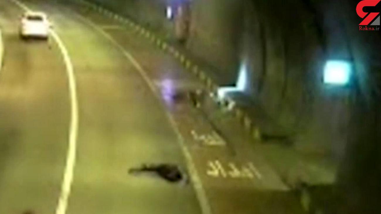 فیلم وحشتناک از تصادف موتورسوار تهرانی در تونل