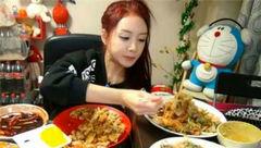 این خانم 6500 یورو در ماه غذا می خورد +عکس