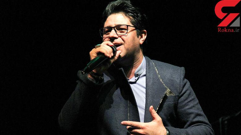 خواننده معروف برای تلویزیون می خواند