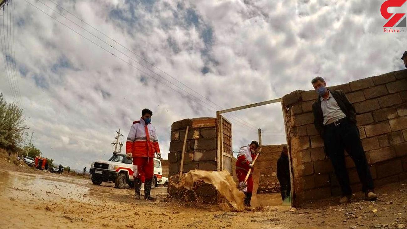 هلال احمر به کمک مردم سیل زدگان آذربایجان غربی شتافت