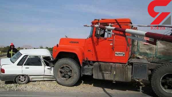 2 کشته و مجروح حاصل برخورد پراید با کامیون