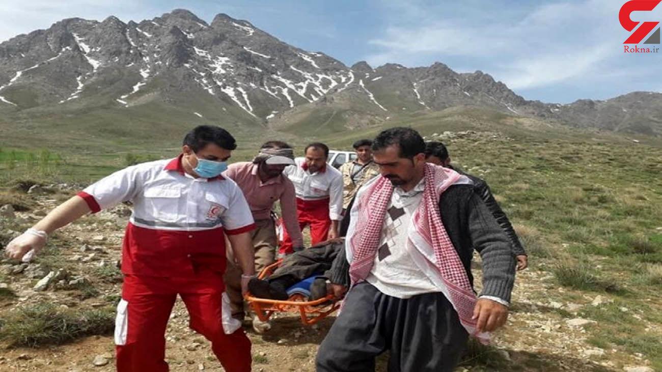 نجات چوپان حادثه دیده در کوه پریشان قروه