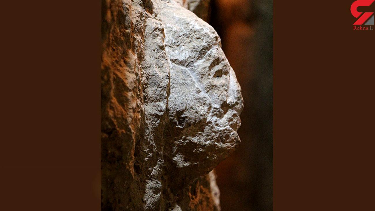 کشف سنگنگارهای به شکل مرد در آبراه تخت جمشید + عکس و فیلم